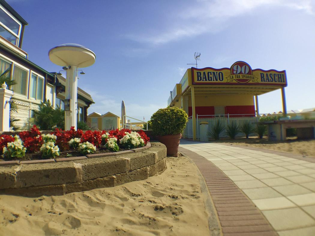 Gallery - Spiaggia 90 Riccione